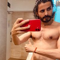 Bollywood Actor Man Singh's workout photos went viral on social media